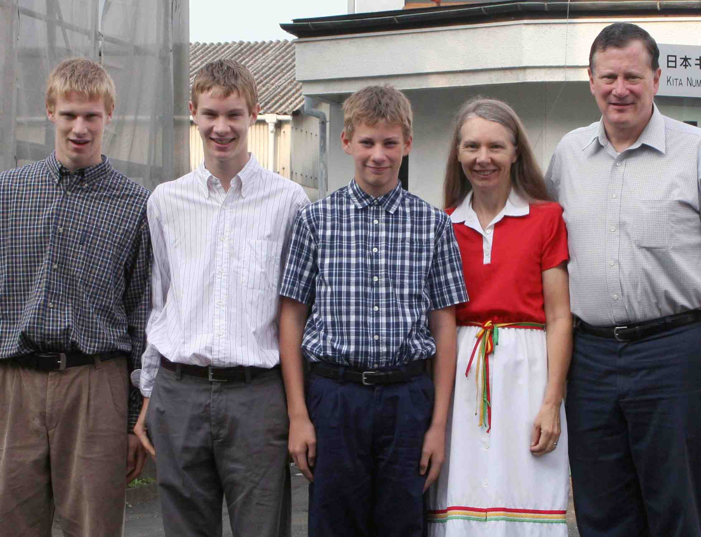 Missionary Woody Lauer and family